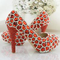 pompes scintillantes rouges achat en gros de-Étincelant strass chaussures de mariage rouge performance banquet hauts talons plates-formes de bal en cristal parti maman chaussures mode femmes pompes