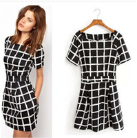 Robes sexy d'été O-cou à manches courtes Casual Cheap Bodycon femmes robes noires Plaid Jupe Fashion Casual Soirée Party Dress B106