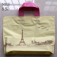 Paris Tower Handle Plastic Gift Bag Amarelo T-shirt Vestuário Festa de Casamento Favor Garment Package Bags