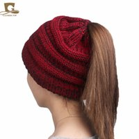 2017 Fashion Girl's Girl Stretch Knit Hat Messy Bun Coda di cavallo Berretti Holey Warm Winter Cappelli 8 colori