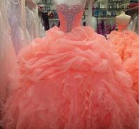 vestidos de noite macios venda por atacado-2016 Sexy Coral Quinceanera vestido de Baile Vestidos Querida Cristal Beads Organza Longo Doce 16 Ruffles Fofo Barato Partido Evening Prom Vestidos