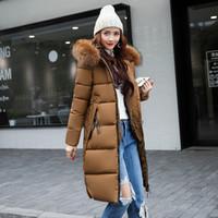 bayan parkas toptan satış-Toptan-2017 Yeni Sonbahar Kış Parkas Büyük Kürk Yaka Kapşonlu İnce Uzun Pamuk-yastıklı Ceket Sıcak Bayanlar Coat Kadın Dış Giyim parkas