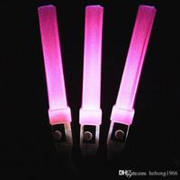 yanıp sönen plastik çubuk toptan satış-Aydınlık Elektronik Çubuk Kısa Plastik LED Işık Up Floresan Sopa Beş Renk Düğün Süslemeleri 2 3hc B Için Yanıp Sopa
