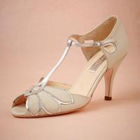 sandalia de baile de boda de marfil al por mayor-Zapatos de boda de marfil vintage Zapatos de boda Mimosa T-Straps Cierre de hebilla de cuero Party Dance 3