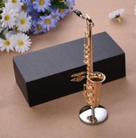 mini saxofone venda por atacado-Mini Saxofone Com Suporte De Metal Em Miniatura Instrumentos Musicais Coleção Ornamentos Decorativos Saxofone Alto Presentes de Alta Qualidade