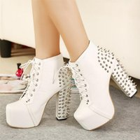 biker stiefel frauen mode großhandel-Damenmode Trend Rivet in wasserdichten Riemen hochhackige Stiefel BIKER BOOTS hohe Schuhe