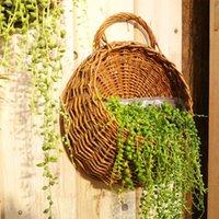 cestas de plantadores de pared al por mayor-2017 Wall Hanging cesta de mimbre de flores naturales maceta maceta de ratán florero jardín de la casa decoración de la pared contenedor de almacenamiento
