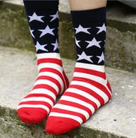 bayraklar çorap toptan satış-Uzun erkek çorap bayan çorap spor çorap Erkek Kadın Moda Elbise Çorap Sıcak Satış Yılbaşı Hediyeleri A382X 2014 Yeni moda ABD İngiltere bayrağı çorap