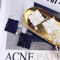 tela de encaje chino al por mayor-Caja de moda retro de encaje de tela de encaje nudo chino pendientes de perlas al por mayor envío gratuito