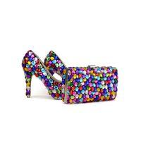 lila zoll high heels großhandel-2017 Mix Farbe Blau Grün Gelb Lila Hochzeit Schuhe mit Clutch 4 Zoll High Heel-Abschluss-Prom Pumpen Passende Beutel
