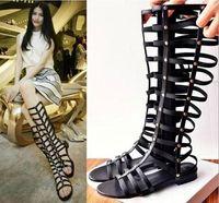 bottes plates à talon plat achat en gros de-Bout ouvert Talon plat creux chaussures romantiques d'été de la mode des femmes d'été Lady Gladiator bottes romaines Sandales Vintage Noir