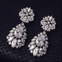 gelin gözyaşı damlası küpesi toptan satış-Moda Gümüş Çiçekler Rhinestone Kristal Gelin Küpe Düğün Gözyaşı Lüks Nedime Küpe Takı Gelin Aksesuarları Damlalar