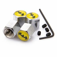 ingrosso batman emblemi-Tappo antipolvere chiudibile antifurto Batman Cappuccio coprivalvole con stemma auto Logo Emblemi Batman con scatola al minuto SZYX-0021