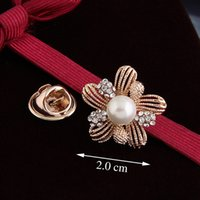 Wholesale Valentine Heart Pin - Korea hollow three-dimensional crystal pearl flower corsage brooch pin female upscale valentines to send his girlfriend