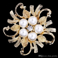 Wholesale Cheap Costumes China - Cheap Pearl And Crystal Rhinestone Flower Brooch Gold Plated Wedding Bridal Bouquet Flower Brooch Women Costume Corsage