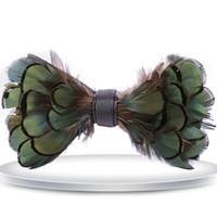 laço de borboleta verde dos homens venda por atacado-Fantasia Dos Homens Do Exército Cor Verde Laço De Penas De Luxo Feitas À Mão Pena Bowtie Com Caixa De Presente 13X7 cm