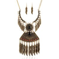 Wholesale Vintage Style Necklaces Wedding - Bohemia Vintage Style Gem Beads Carved Leaves Tassel Necklace Earrings Set Leaf Choker Necklace Jewelry Set Wholesale 6 Sets
