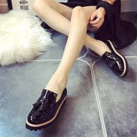 Wholesale- Moda 2016 Spring Womens Oxfords Shoes Slip On Tassel Faux Leather Oxfords para Mulheres Casual Comfort Ladies Shoes