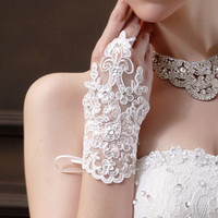 Wholesale Sheer Wrist Length Gloves - 2015 New Arrival Cheap In Stock Lace Appliques Beads Fingerless Wrist Length With Ribbon Bridal Gloves Wedding Accessories