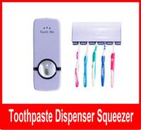 portaescobillas conjuntos de pasta de dientes al por mayor-Inicio Auto pasta de dientes Dispensador Squeezer Brush Holder Hole Set montaje en pared rosa rojo y blanco envío gratis