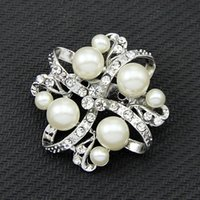 Wholesale Wholesale Drilled Quartz Leather - Explosion models high-grade diamond drill flash color pearl diamond brooch chest clothing manufacturers wholesale customized fashion pin