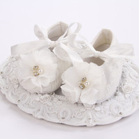 Wholesale Ivory Baby Booties - Wholesale-baby girl shoes pearl,ivory christening baby shoes for girl,infant lace flower booties baby walker for baptism #2X0123 retail