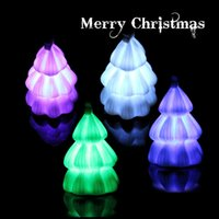 Gros-LED Arbre de Noël Décoration Lampe Night Light Changement de couleur Colorful Home Decor Destockage Livraison gratuite