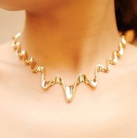 Wholesale Chunky Pearl Wholesale - 2015 New Gold Silver Fashion Lightning Choker Bib Wave Chunky Collar Statement Necklace For Women