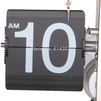 Hot Sale Brand New numérique engrenage interne Operated Retro Auto Flip Clock Page Tournant horloge de bureau Bureau Équilibre Quartz