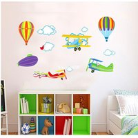 Compra Decorazione Dell'aeroplano-2014 Nuovo! Cartoon Airplane e Hot Air Balloons smontabili della parete decalcomanie BoysGirls Camera scuola materna dei bambini Camera Home Decor