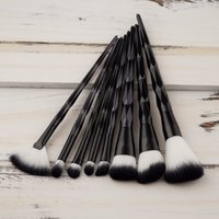 8PCS Diamond Makeup Brush Set Black Foundation Blusher ventilador en forma de corrector Unicorn Brush Powder Face Make Up Tool Kit Kwasten