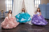 vestidos infantiles de oro del desfile al por mayor-2018 Vestidos para niñas nuevas Vestidos Sheer Capped Rhinestone Ribbon Formal Vestidos de fiesta V Sin respaldo Volantes Tul Niños Niños Vestidos para niñas