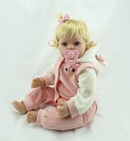 niedliches mädchen heiß großhandel-55cm Hot Verkauf Billig Dollar Victoria Adora Naturgetreue Neugeborenes Baby Bonecas Bebe-Kind-Spielzeug Niedliches Mädchen-Silikon-Reborn-Baby-Puppen-Zubehör