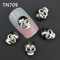 Wholesale-10pcs luxe Silver Black Skull Outils Nail Strass Pour Nails alliage Glitters bricolage Nail Art 3D Décorations TN709