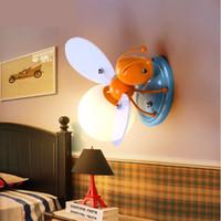 appliques murales pour enfants achat en gros de-Lampe de chevet lampe de chevet décorative bande dessinée abeille LED abeille LED lampes de mur