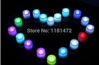 Gros-10pcs / lot Colorful LED Smokeless Bougies en forme de petit clignotant Night Light Décoration 7 changement de couleur Bougie Party