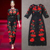 siyah karga takılar toptan satış-En 2016 Sıcak Moda Pist Elbiseler Çarpıcı Siyah Dantel Kırmızı Nakış Çiçek Büyüleyici Akşam Elbise Ekip Boyun Ayak Bileği Uzunluğu Balo Parti Elbise