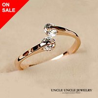 Barato Anel De Dedo De Ouro Rosa-On Sale Woman 2 Zirconia Ring Rose Gold Plated Never Let Go Twin Crystal Fashion Finger Ring Atacado 18krgp stamp