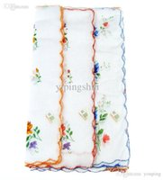 Wholesale Polyester Ascot - Packaging, suitable for ladies fashion novel, 100% cotton, printed handkerchiefs handkerchief