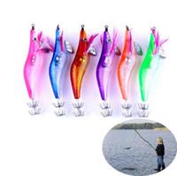 aparelhos de pesca venda por atacado-LED Luminosa Camarão Lure 10 cm Squid Night Squid Jigs Iscas Bass Bait Peixe Enfrentar OURS O893582 Peixe