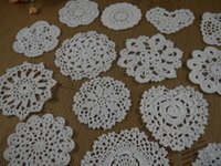 Wholesale Crochet Cup Placemat - Crocheted Doilies Placemat for Wedding Crochet applique decor 6-13cm White Tablecloth mats Vintage Coaster Pads Disc Cup Mat 30PCS LOT TT002