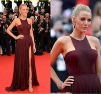 canlı blake toptan satış-Yeni Tasarım Blake Lively Kırmızı Halı Elbiseleri Ünlü Elbise Çekici Halter A-line Kat Uzunluk Yan Bölünmüş Şifon Balo Abiye