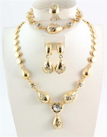 brincos brancos jóias de fantasia venda por atacado-Conjuntos de jóias africano Áustria Cristal Branco traje africano Colares Pulseiras Brincos Anéis para As Mulheres