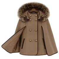 ingrosso poncho di moda femminile-2015 British Fashion Women Cappotto di lana Poncho Winter Autumn Cape Poncho Cloak Pea Coat Capispalla Hoody Con collo di pelliccia di volpe