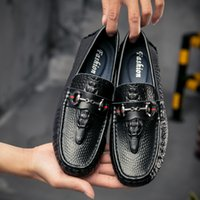 Wholesale Wedge Moccasins - 2017 Men's Shoes Luxury Brand Genuine Leather Casual Driving Oxfords Flats Shoes Mens Loafers Moccasins Italian Shoes for Men Size EUR38-44