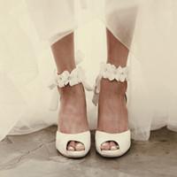 güzel beyaz bayan toptan satış-Peep-toe Lady Formal Elbise Ayakkabıları Kadınlar Yüksek topuklu Ayakkabı Beautiful White Dantel Düğün Gelin Parti Prom Ayakkabı Sayfa Pompaları