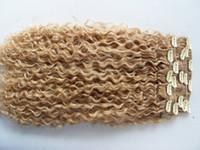 çince saç örgüsü uzantıları toptan satış-Yeni brezilyalı kıvırcık saç atkı doğal sapıkça kıvırmak klip örgüleri işlenmemiş sarışın insan bakire remy uzantıları çin saç