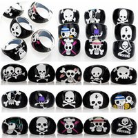 Wholesale Cheap Head Ring - Wholesale Lots 60pcs Black Resin Lucite Skull Head Pattern Kid Children Rings Jewelry Cheap Rings Jewelry Free Ship