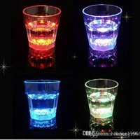 Wholesale Mascot Led - LED Light Cup Multi Color Induction Mugs Creative Design Octagonal Wine Glasses For Bar Festival Party Supplies 4 9jc C