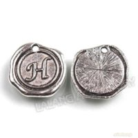 "Wholesale Zinc Tags Wholesale - 72pcs Hot Sale Silver Round Tag with Letter "" H "" Charms Zinc Alloy Pendants Jewelry Findings 20*18*2mm 141431"